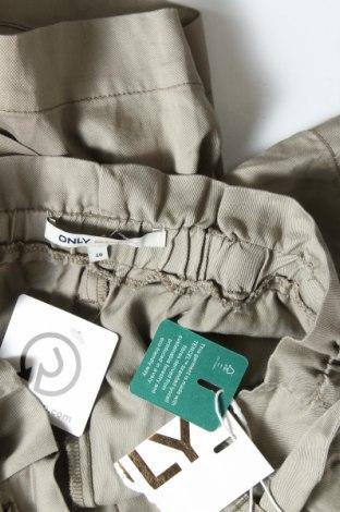 Γυναικείο κοντό παντελόνι ONLY, Μέγεθος M, Χρώμα Πράσινο, Lyocell, Τιμή 12,53€