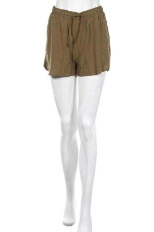 Γυναικείο κοντό παντελόνι Urban Classics, Μέγεθος S, Χρώμα Πράσινο, Βισκόζη, Τιμή 10,83€