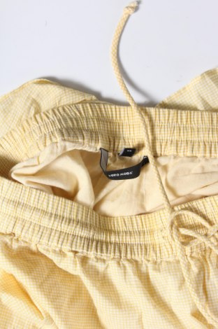 Γυναικείο κοντό παντελόνι Vero Moda, Μέγεθος XS, Χρώμα Κίτρινο, Βαμβάκι, Τιμή 10,83€