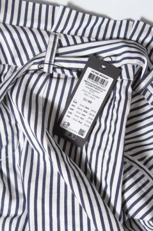 Дамски къс панталон Vero Moda, Размер XS, Цвят Бял, 98% памук, 2% еластан, Цена 23,40лв.