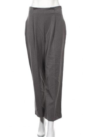 Дамски панталон, Размер M, Цвят Сив, 76% полиестер, 18% вискоза, 6% еластан, Цена 7,35лв.