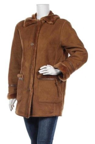 Дамско палто, Размер S, Цвят Кафяв, 63% акрил, 37% полиестер, Цена 17,33лв.