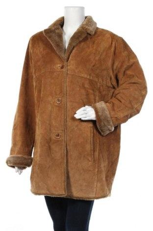 Дамско палто от естествен велур, Размер XL, Цвят Кафяв, Естествен велур, Цена 25,20лв.