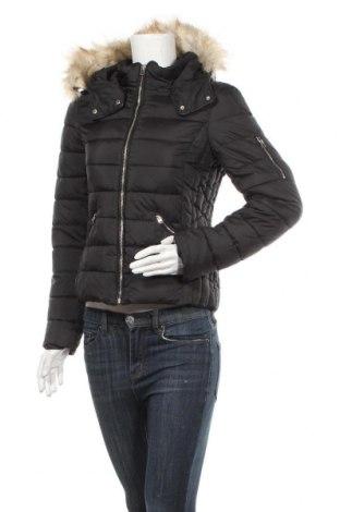 Дамско яке Zara Trafaluc, Размер S, Цвят Черен, Цена 56,70лв.