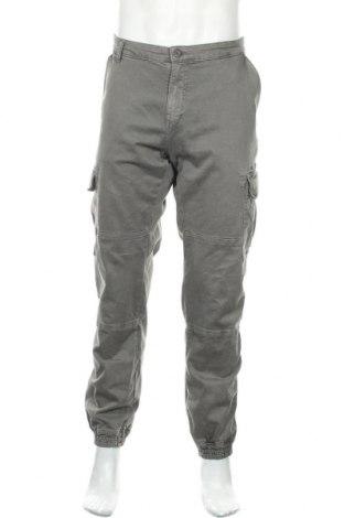 Мъжки панталон Urban Classics, Размер XL, Цвят Сив, 98% памук, 2% еластан, Цена 37,96лв.
