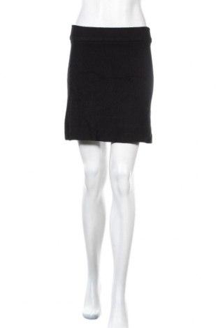 Пола Zara, Размер S, Цвят Черен, 47% вискоза, 27% полиамид, 26% полиестер, Цена 4,97лв.