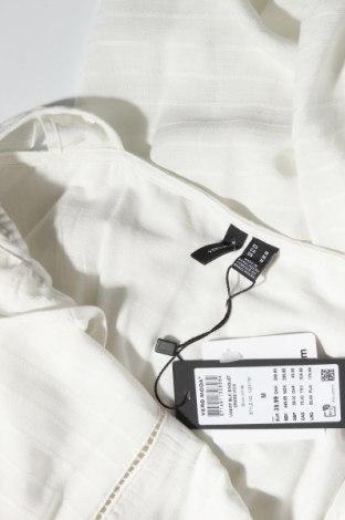 Рокля Vero Moda, Размер M, Цвят Бял, Вискоза, Цена 51,75лв.