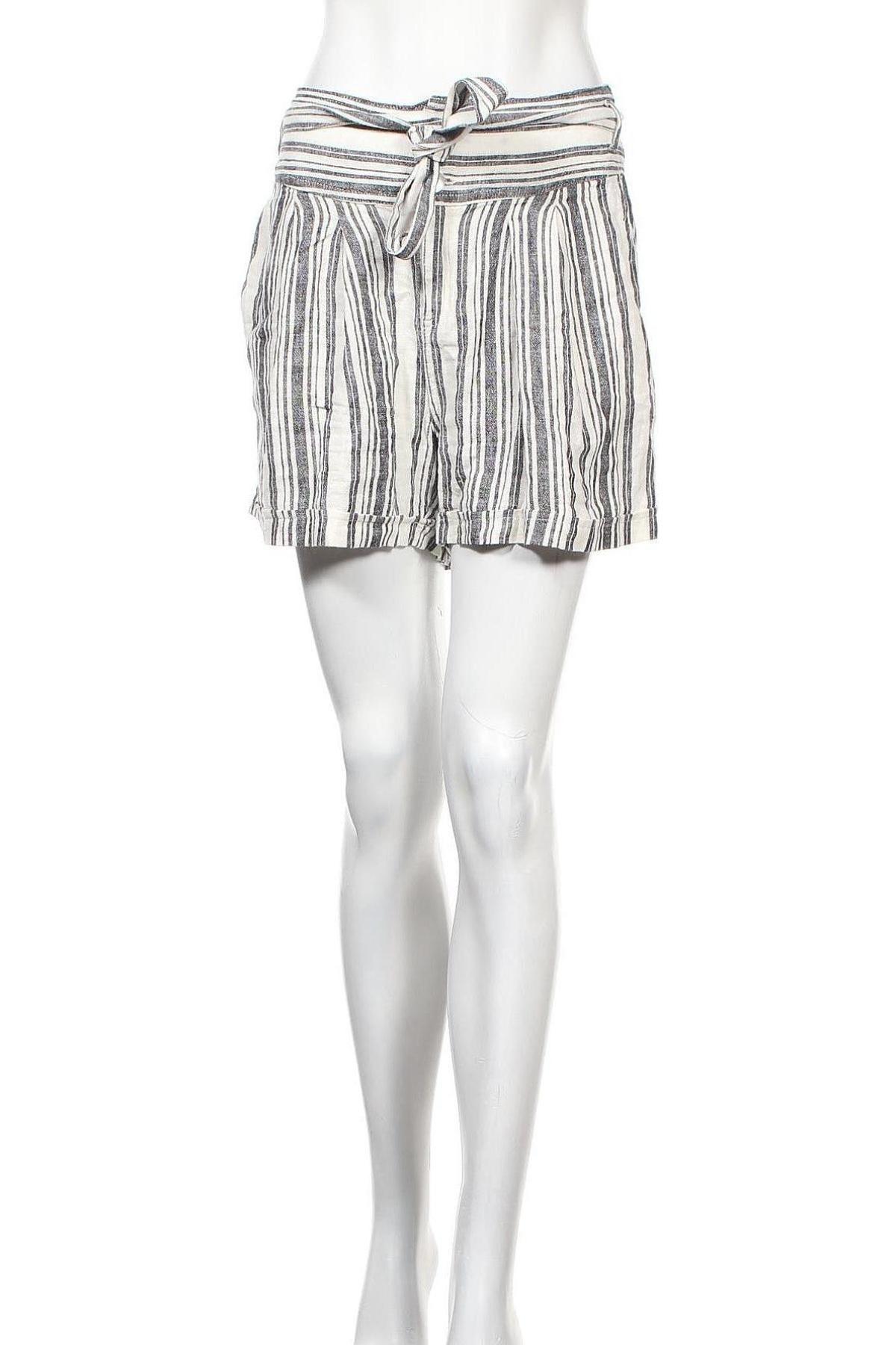 Γυναικείο κοντό παντελόνι ONLY, Μέγεθος M, Χρώμα Λευκό, Τιμή 11,86€
