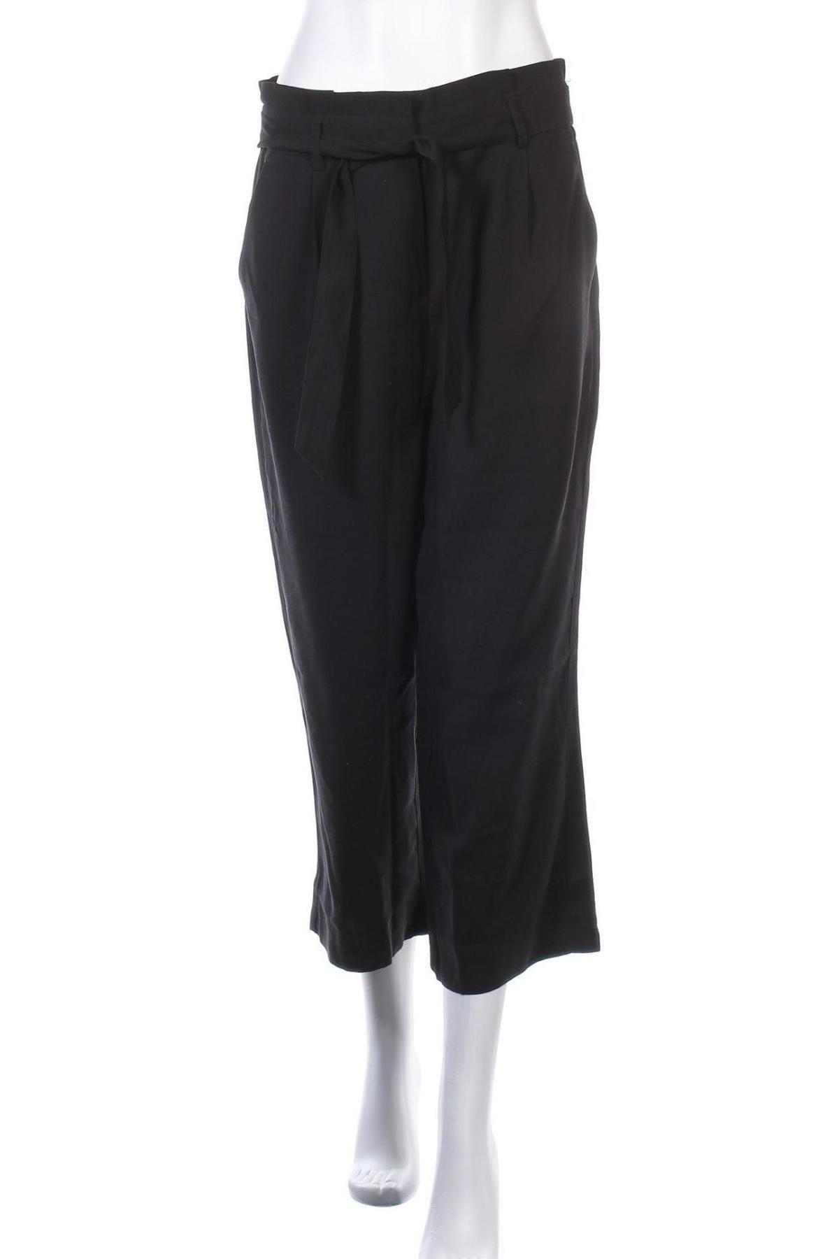 Дамски панталон Vero Moda, Размер M, Цвят Черен, 93% вискоза, 7% полиестер, Цена 31,05лв.