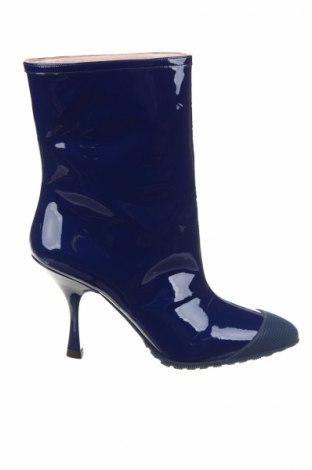 Γυναικείες μπότες Miu Miu