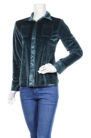 Дамска риза, Размер M, Цвят Зелен, 65% памук, 35% полиестер, Цена 5,86лв.