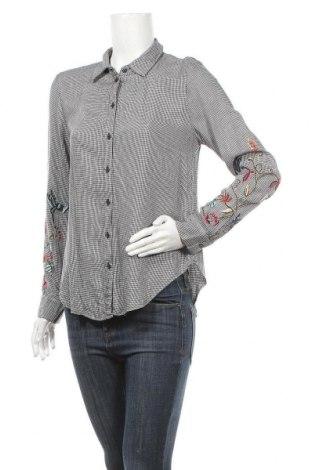 Дамска риза H&M, Размер M, Цвят Черен, 100% вискоза, Цена 16,07лв.