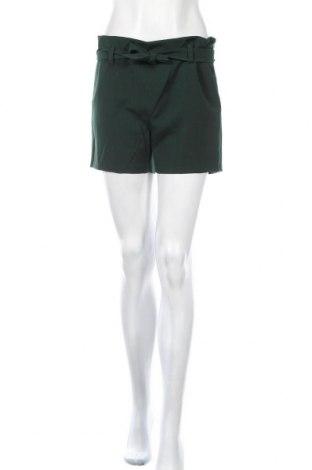 Γυναικείο κοντό παντελόνι BelAir, Μέγεθος S, Χρώμα Πράσινο, 81% πολυεστέρας, 14% βισκόζη, 5% ελαστάνη, Τιμή 24,49€