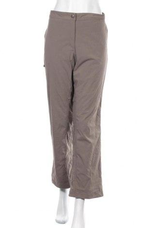 Дамски спортен панталон L.L. Bean, Размер XL, Цвят Бежов, 96% полиамид, 4% еластан, Цена 8,21лв.