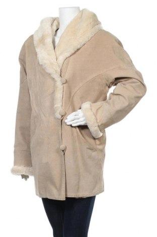 Дамско кожено палто Ada, Размер S, Цвят Бежов, Естествен велур, Цена 35,70лв.