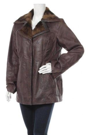 Дамско кожено яке Danier, Размер L, Цвят Кафяв, Естествена кожа, Цена 21,01лв.