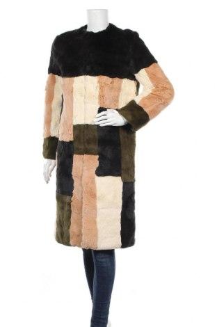 Дамско палто Cacharel, Размер M, Цвят Многоцветен, Естествен косъм, Цена 423,80лв.