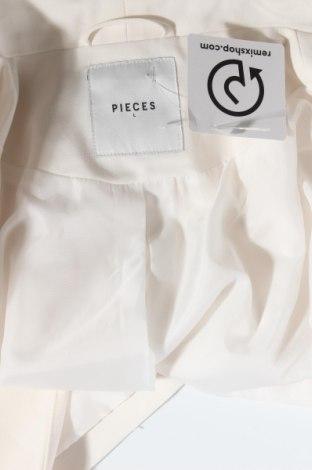 Дамско сако Pieces, Размер L, Цвят Екрю, 79% полиестер, 16% вискоза, 5% еластан, Цена 22,40лв.