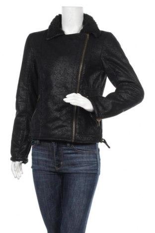 Дамско яке Pull&Bear, Размер M, Цвят Черен, Полиестер, Цена 35,91лв.