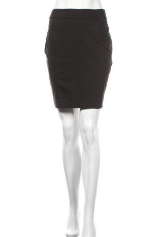 Пола H&M, Размер S, Цвят Черен, 61% памук, 34% полиестер, 5% еластан, Цена 4,62лв.