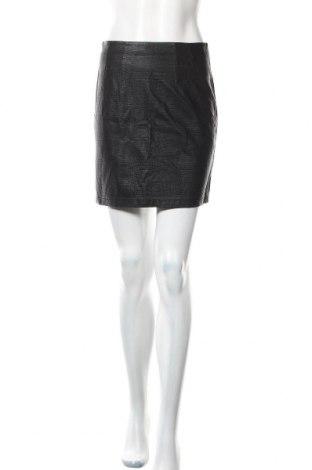 Пола H&M, Размер S, Цвят Черен, Еко кожа, Цена 18,00лв.