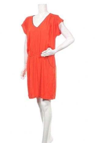 Рокля La Petite Francaise, Размер L, Цвят Оранжев, Вискоза, Цена 17,25лв.