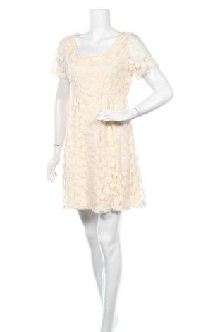 Φόρεμα Molly Bracken, Μέγεθος M, Χρώμα Εκρού, 85% βαμβάκι, 15% πολυαμίδη, Τιμή 26,68€