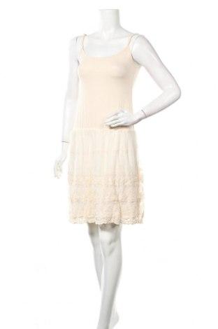 Φόρεμα Molly Bracken, Μέγεθος M, Χρώμα  Μπέζ, 95% βισκόζη, 5% ελαστάνη, Τιμή 11,56€
