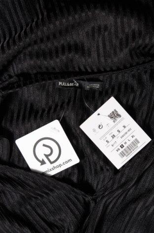 Рокля Pull&Bear, Размер S, Цвят Черен, Полиестер, Цена 24,19лв.