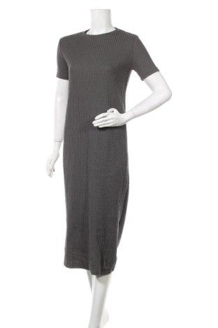 Рокля Zara, Размер S, Цвят Зелен, 69% памук, 30% полиестер, 1% еластан, Цена 19,00лв.