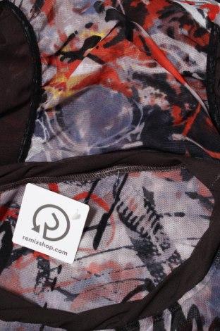 Дамска блуза Un Jour Ailleurs, Размер M, Цвят Многоцветен, 95% вискоза, 5% еластан, Цена 33,15лв.