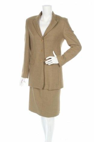 Дамски костюм Giorgia Netti, Размер M, Цвят Бежов, 52% полиестер, 48% вискоза, Цена 14,95лв.