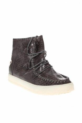 Дамски обувки Leoss
