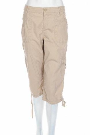 Дамски панталон St John`s Bay, Размер M, Цвят Бежов, 98% памук, 2% еластан, Цена 6,38лв.