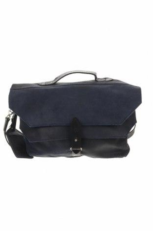 Дамска чанта Cowboysbag, Цвят Син, Естествен велур, Цена 169,07лв.