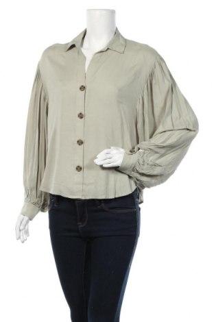 Дамска риза Gina Tricot, Размер M, Цвят Зелен, 100% вискоза, Цена 18,62лв.