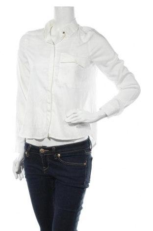 Дамска риза ONLY, Размер XS, Цвят Бял, 75% вискоза, 25% полиестер, Цена 14,56лв.