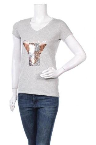 Дамска тениска Guess, Размер M, Цвят Сив, 95% памук, 5% еластан, Цена 51,75лв.