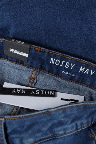 Дамски дънки Noisy May, Размер XS, Цвят Син, 75% памук, 18% полиестер, 5% вискоза, 2% еластан, Цена 46,50лв.