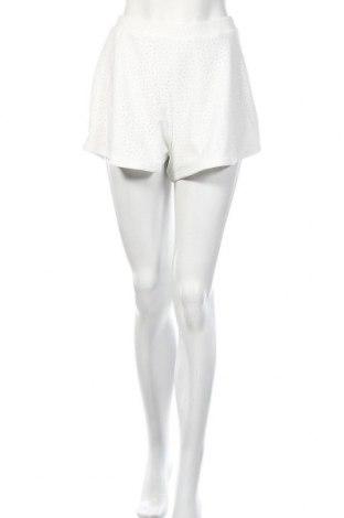 Γυναικείο κοντό παντελόνι, Μέγεθος S, Χρώμα Λευκό, Τιμή 8,77€