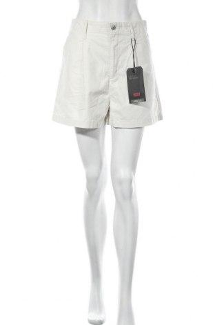 Γυναικείο κοντό παντελόνι Levi's, Μέγεθος M, Χρώμα Εκρού, Βαμβάκι, Τιμή 35,40€