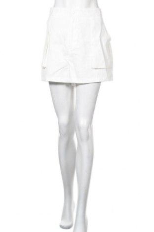 Γυναικείο κοντό παντελόνι Missguided, Μέγεθος XL, Χρώμα Λευκό, Τιμή 7,10€