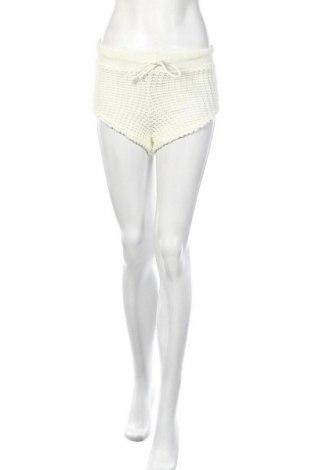 Дамски къс панталон Stylewise, Размер S, Цвят Бял, Акрил, Цена 18,90лв.