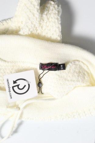 Дамски къс панталон Stylewise, Размер S, Цвят Бял, Акрил, Цена 7,58лв.