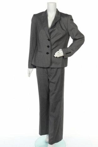 Дамски костюм Betty Barclay, Размер L, Цвят Сив, 65% полиестер, 33% вискоза, 2% еластан, Цена 49,40лв.