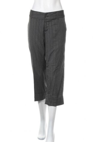 Дамски панталон, Размер M, Цвят Сив, 63% полиестер, 33% вискоза, 2% еластан, 2% метални нишки, Цена 6,52лв.