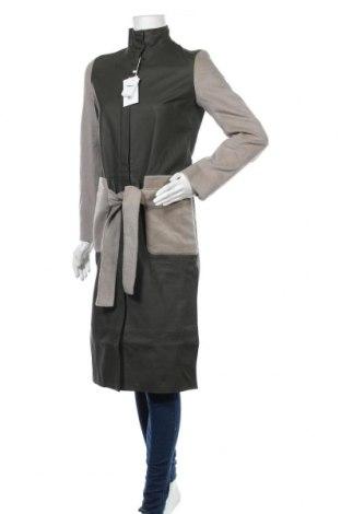 Дамско кожено палто Cacharel, Размер S, Цвят Зелен, Естествена кожа, Цена 296,82лв.