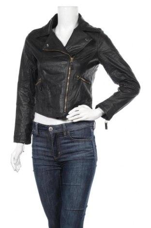 Дамско кожено яке, Размер M, Цвят Черен, Еко кожа, Цена 37,01лв.