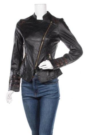 Дамско кожено яке Bebe, Размер S, Цвят Черен, Естествена кожа, Цена 125,16лв.