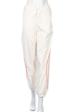 Γυναικείο αθλητικό παντελόνι Adidas Originals, Μέγεθος L, Χρώμα Λευκό, Πολυεστέρας, Τιμή 16,42€